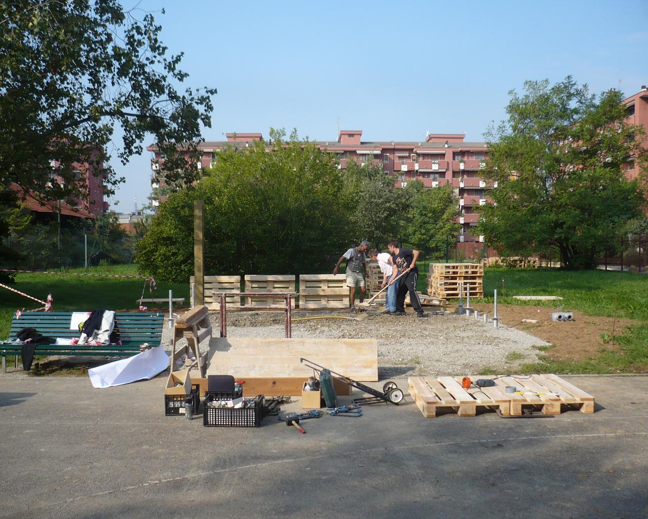 Fasi di lavorazione del gazebo di via Milano