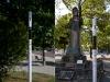 La segnaletica applicata ai pali della segnalatica stradale